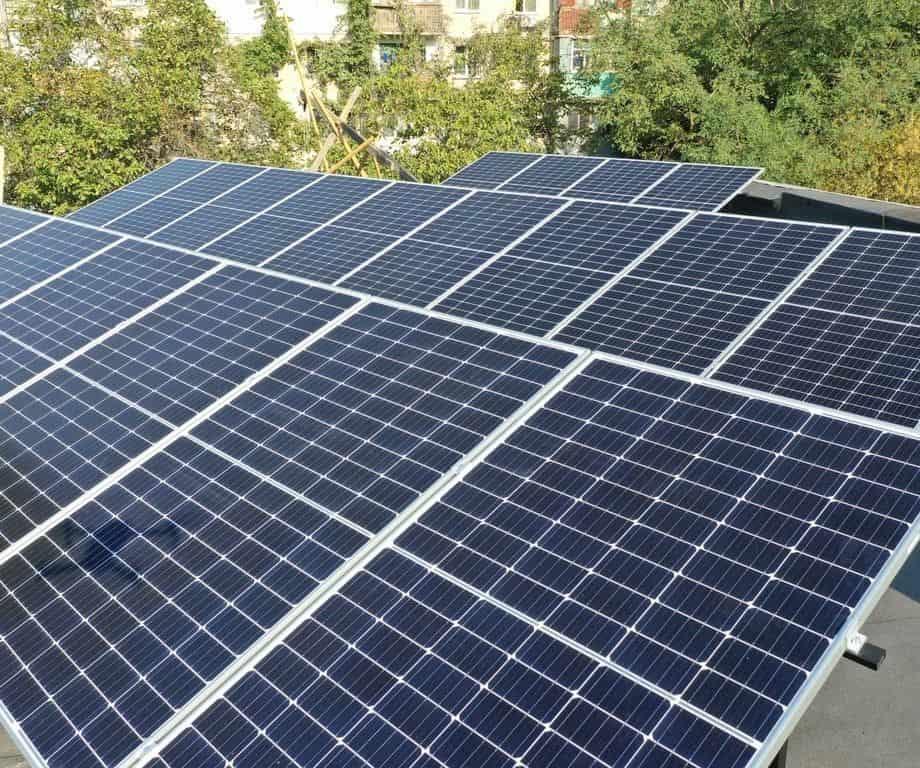 Солнечная установка на крыше магазина