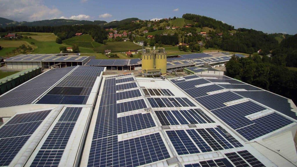 Пивоварні заводи враховують побажання покупців і все частіше використовують для виробництва сонячну енергію