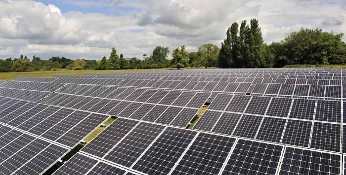 Цена электроэнергии, получаемой с помощью современных солнечных батарей, уменьшилась на более чем 80%, а использования систем концентрирования энергии – почти на 50%