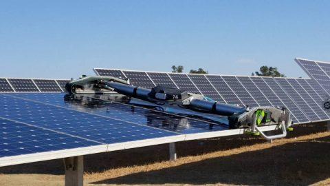 Випаровування вологи з поверхні сонячних панелей допомагає поліпшити вироблення електроенергії майже на 20%!