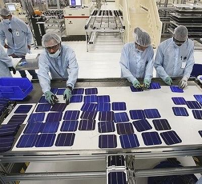 Китай бере виробництво сонячних панелей під особливий контроль